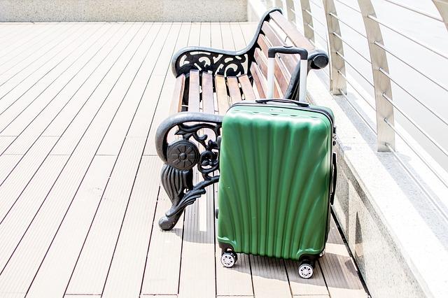 luggage-2158765_640